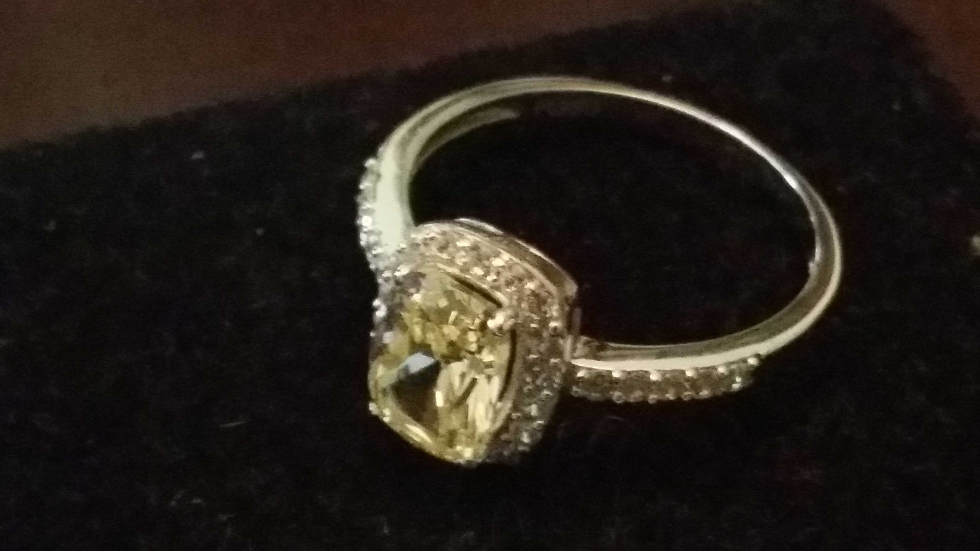 PT950 platinum ring with diamonds
